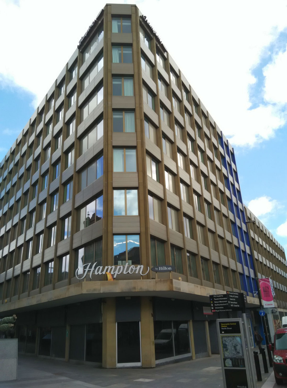hampton-newcastle-exterior