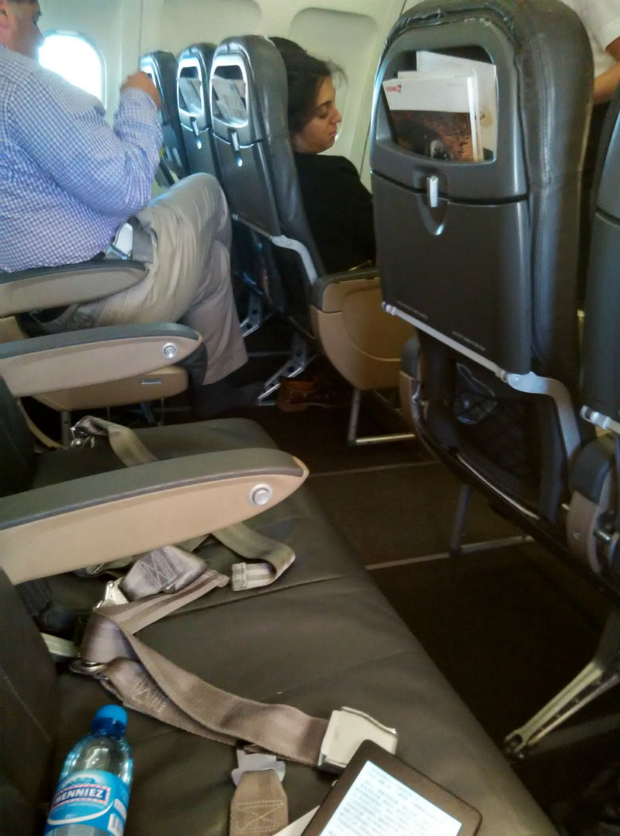 swiss-business-a320-cabin