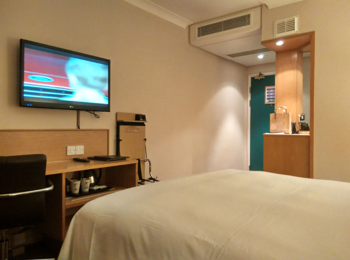 hilton-stansted-room-1