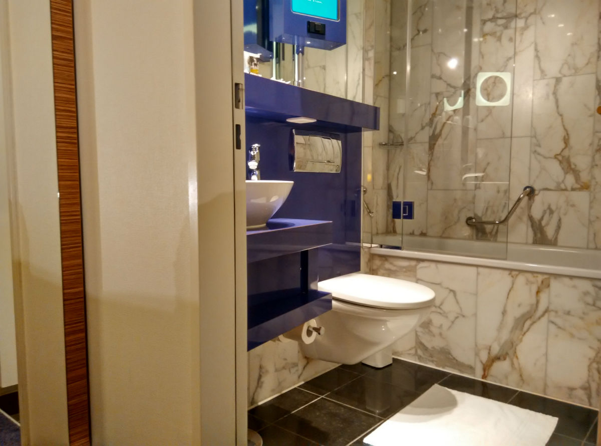 mercure-stoller-zurich-bathroom