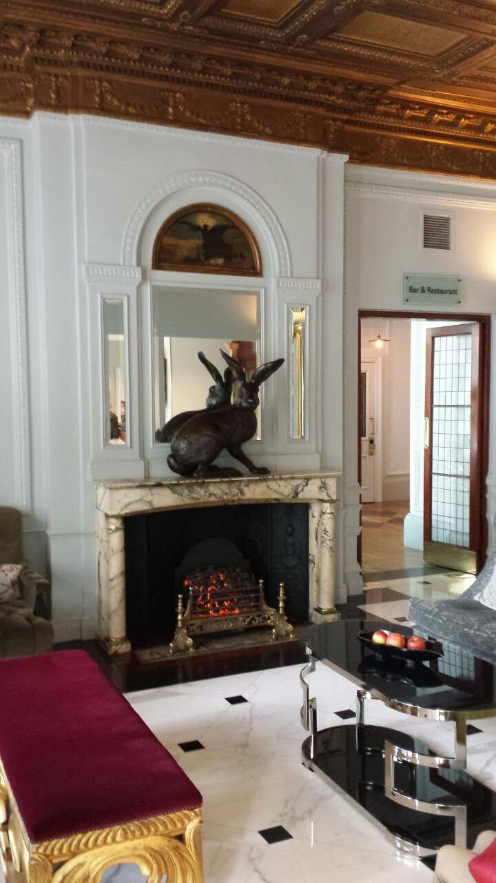 radisson-blu-edwardian-vanderbilt-fireplace