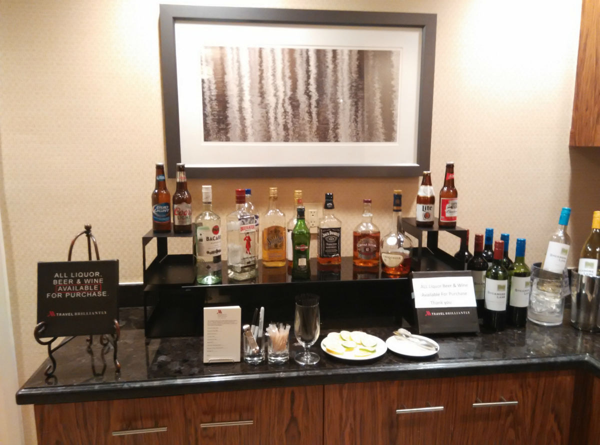 marriott-san-diego-la-jolla-lounge-alcohol