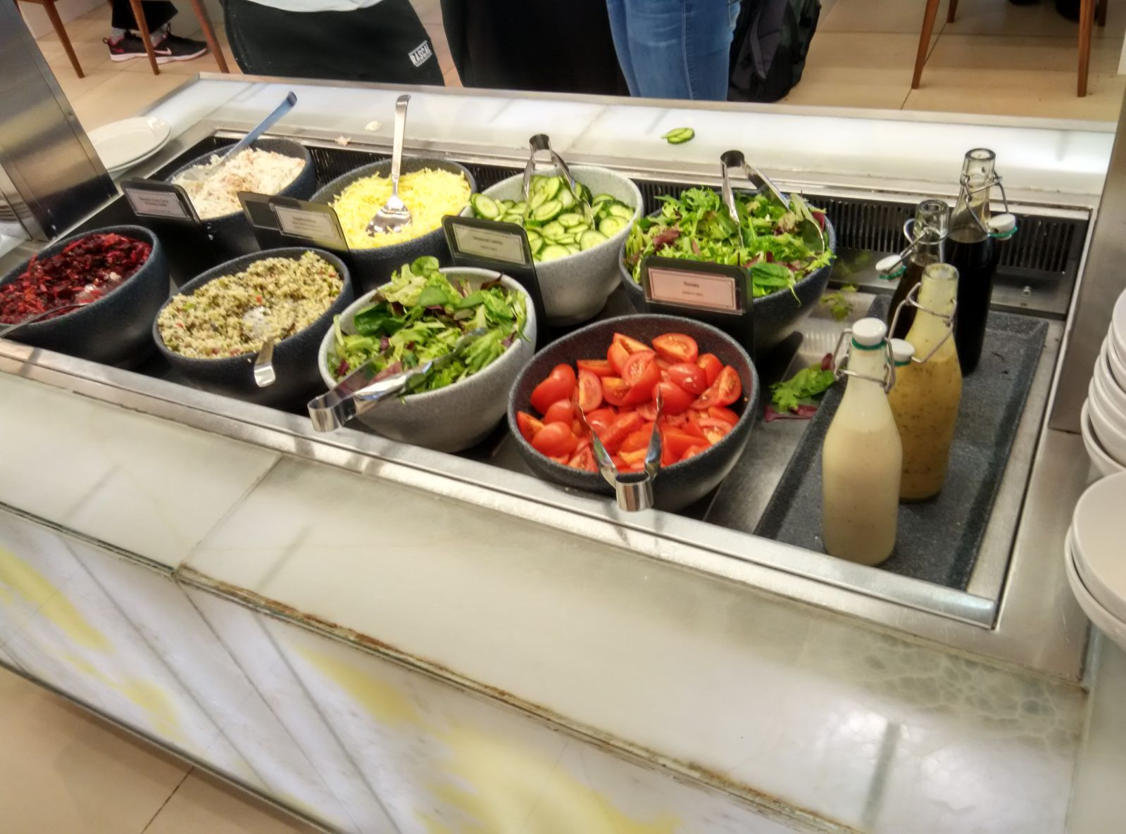 heathrow-t5-galleries-north-salad