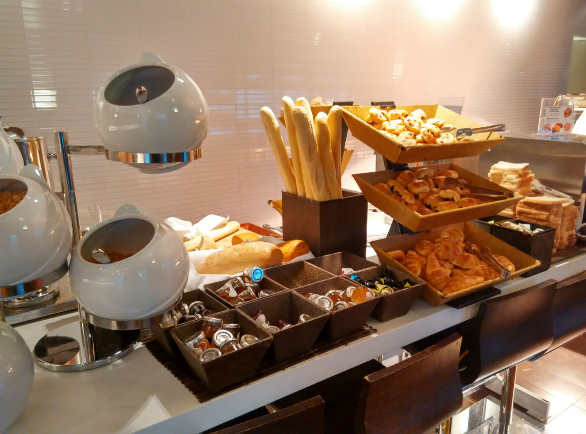 novotel-london-paddington-breakfast-2
