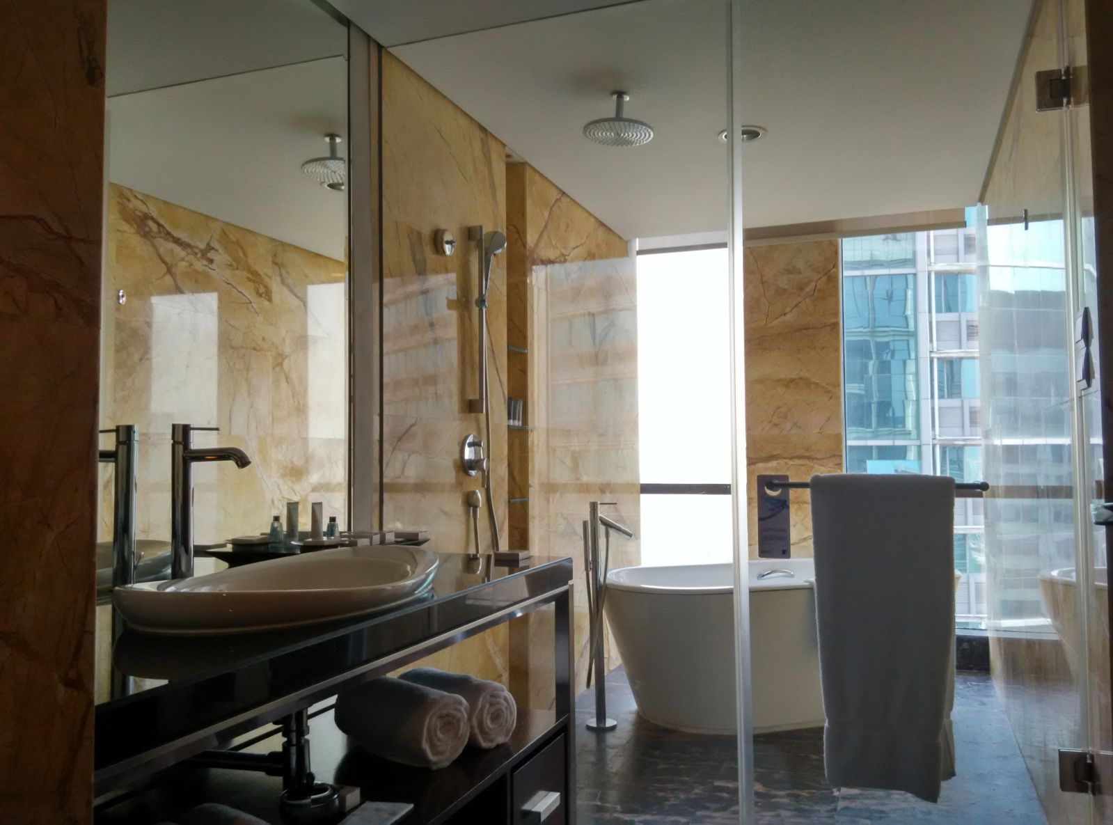shenzhen-jw-marriott-bathroom