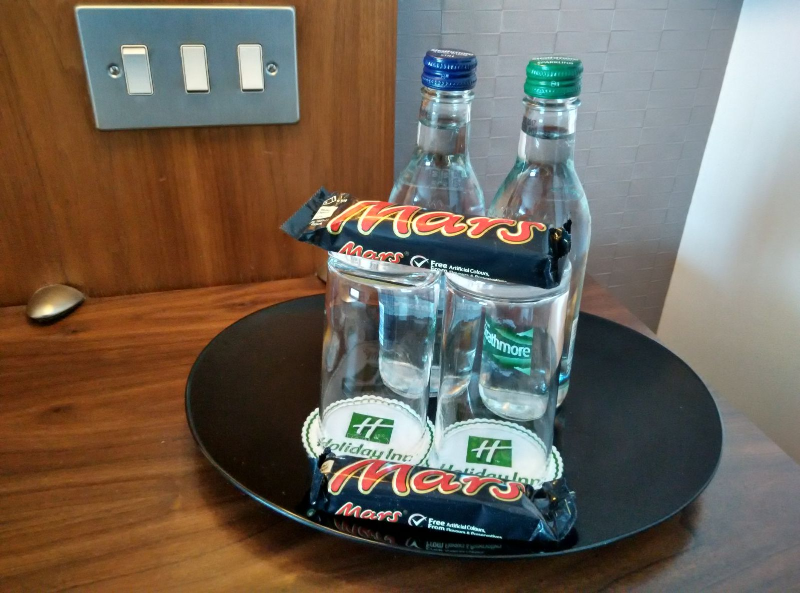 holiday-inn-norwich-city-welcome-gifts