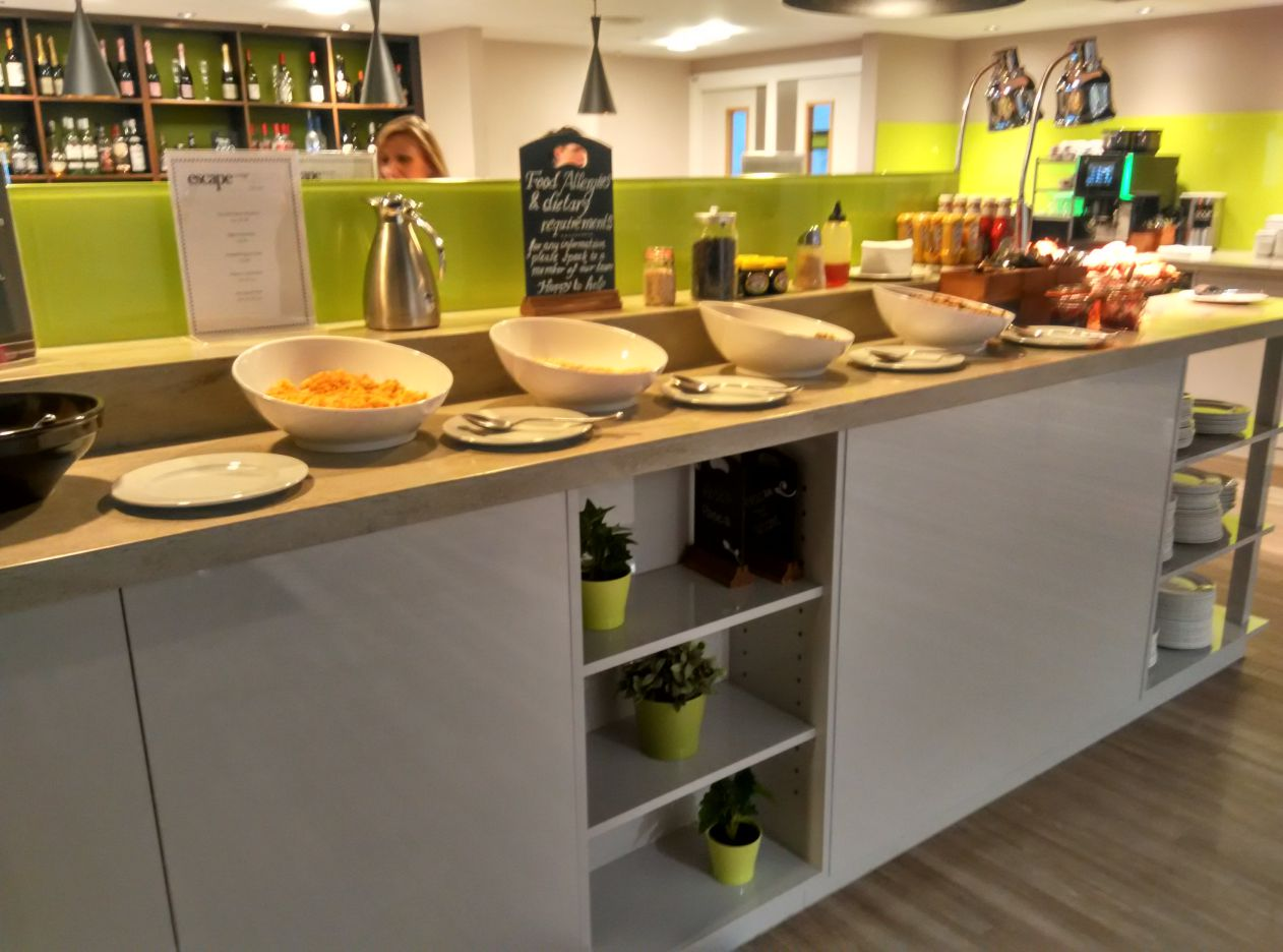 stansted-escape-lounge-food-3