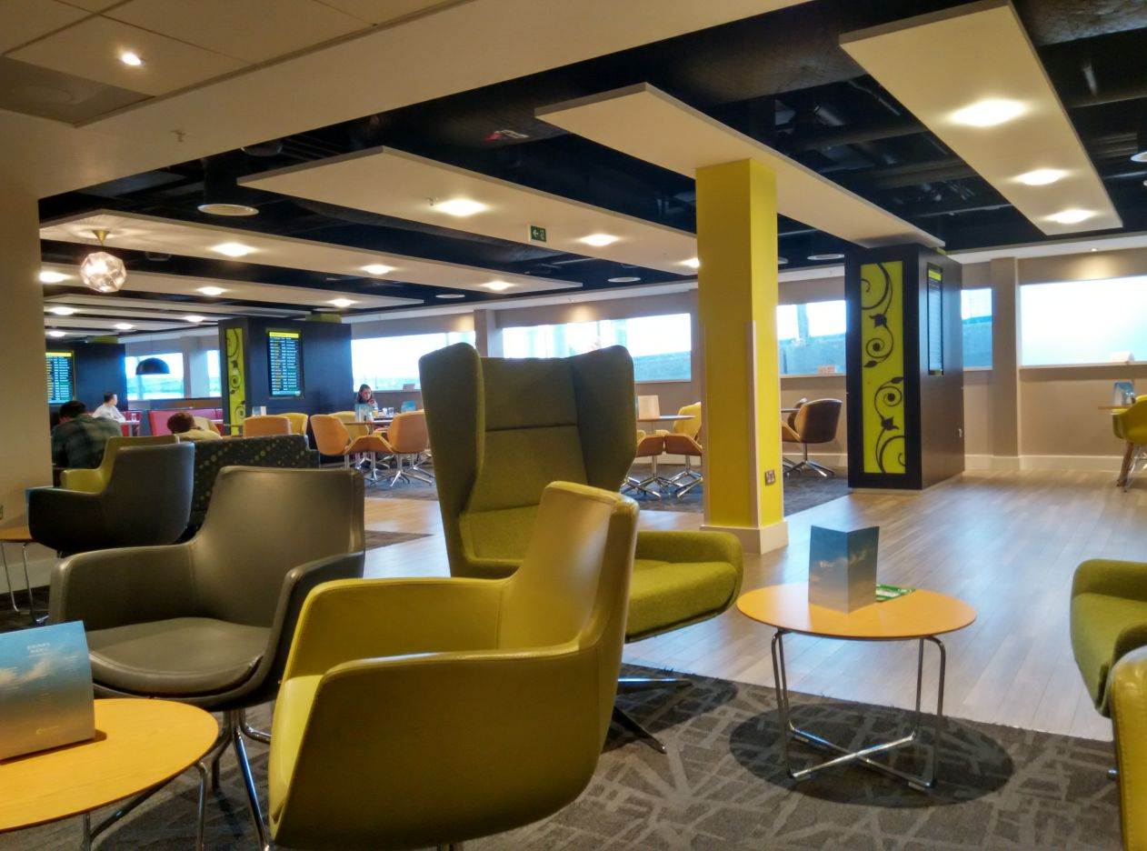 stansted-escape-lounge-lobby-2