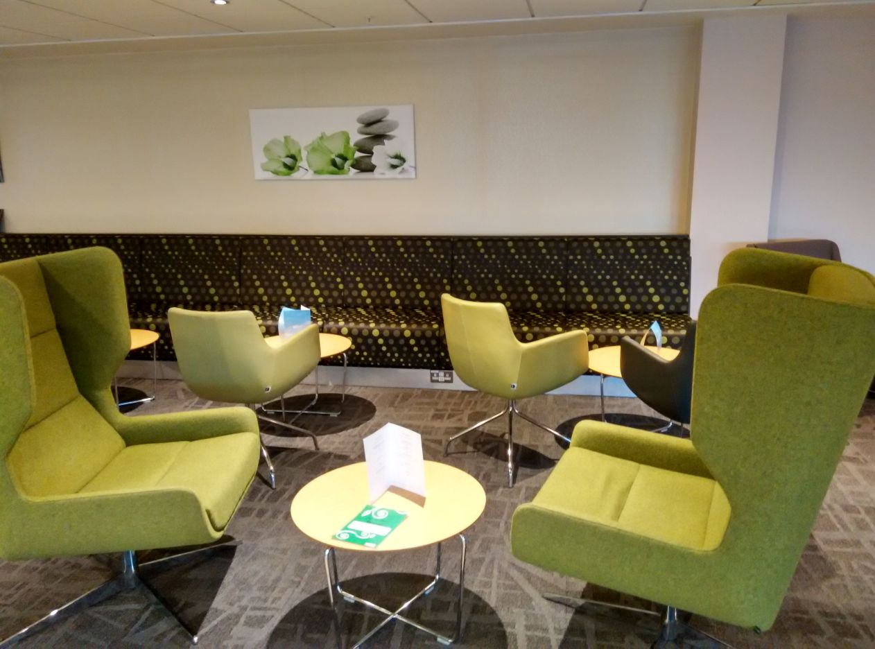 stansted-escape-lounge-lobby-3