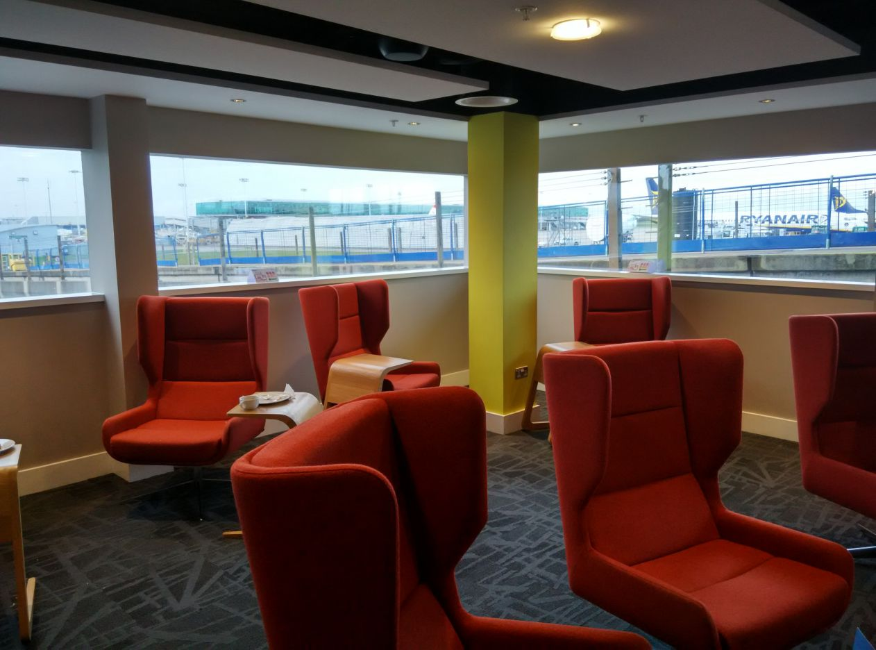 stansted-escape-lounge-lobby-4