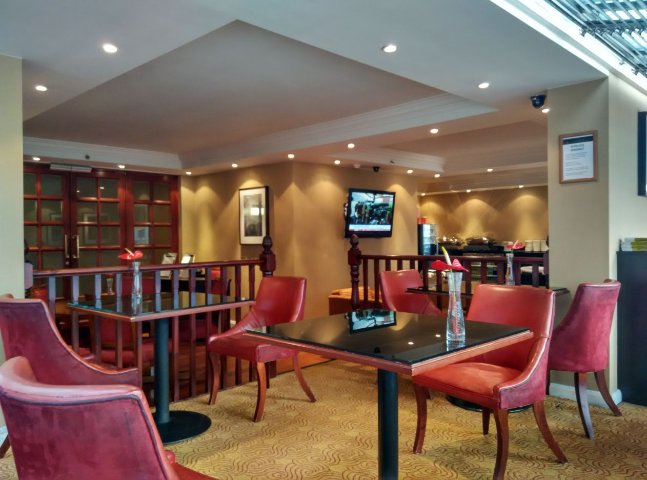 marriott-london-regents-park-executive-lounge-2