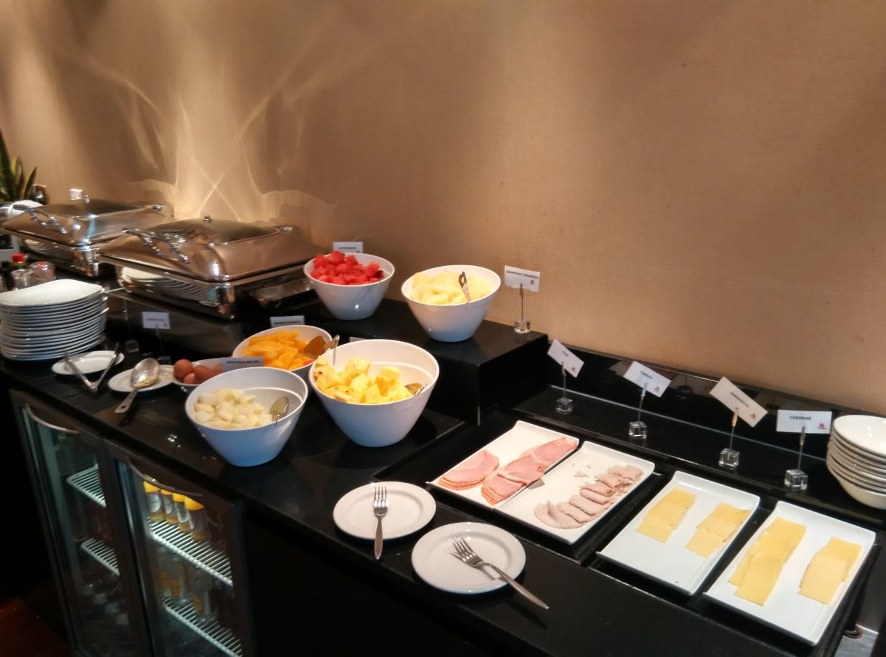 marriott-london-regents-park-executive-lounge-breakfast-4