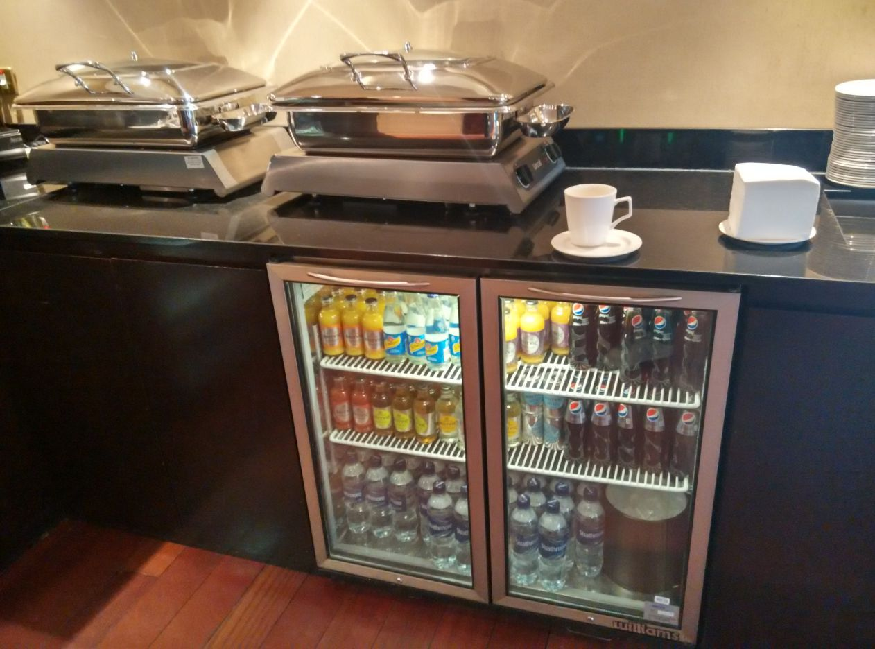 marriott-london-regents-park-executive-lounge-drinks