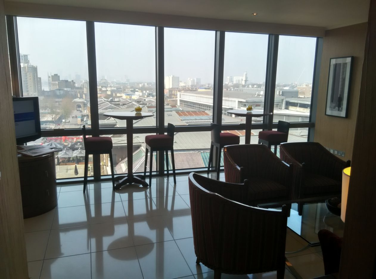 marriott-london-west-india-quay-executive-lounge-2
