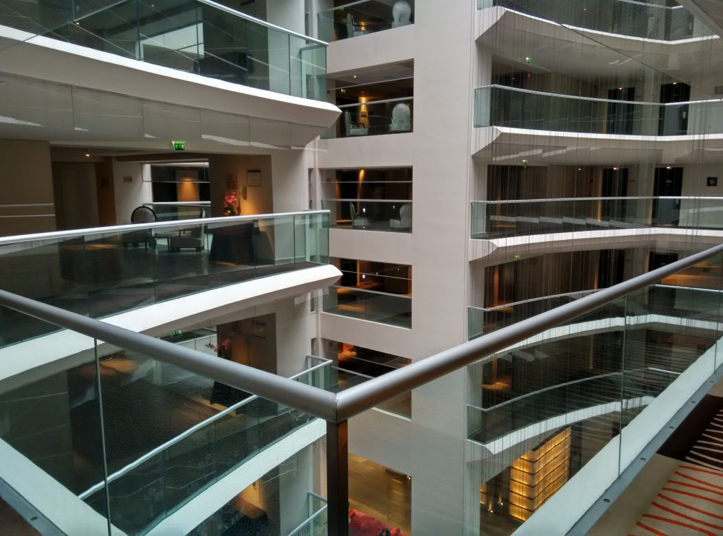 radisson-blu-bucharest-atrium