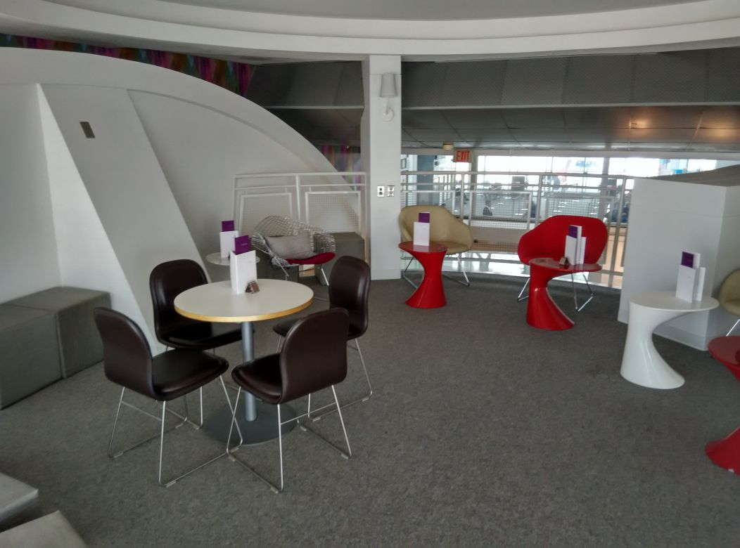 iad-virgin-atlantic-lounge-upstairs