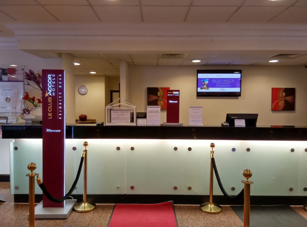 mercure-manchester-piccadilly-reception