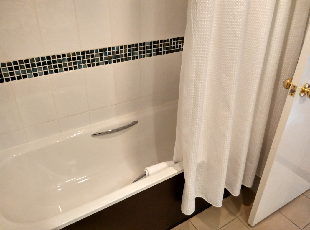 mercure-manchester-piccadilly-bathroom-2