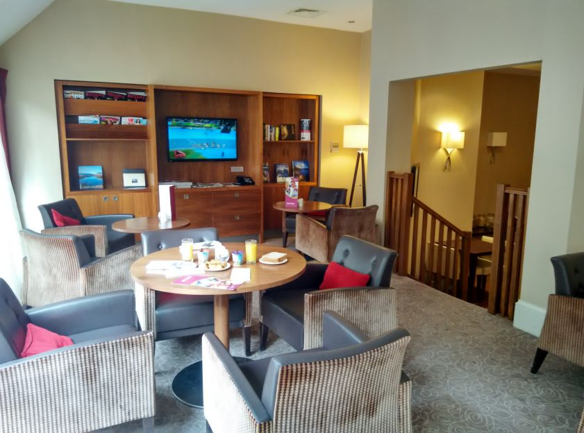 crowne-plaza-edinburgh-lounge