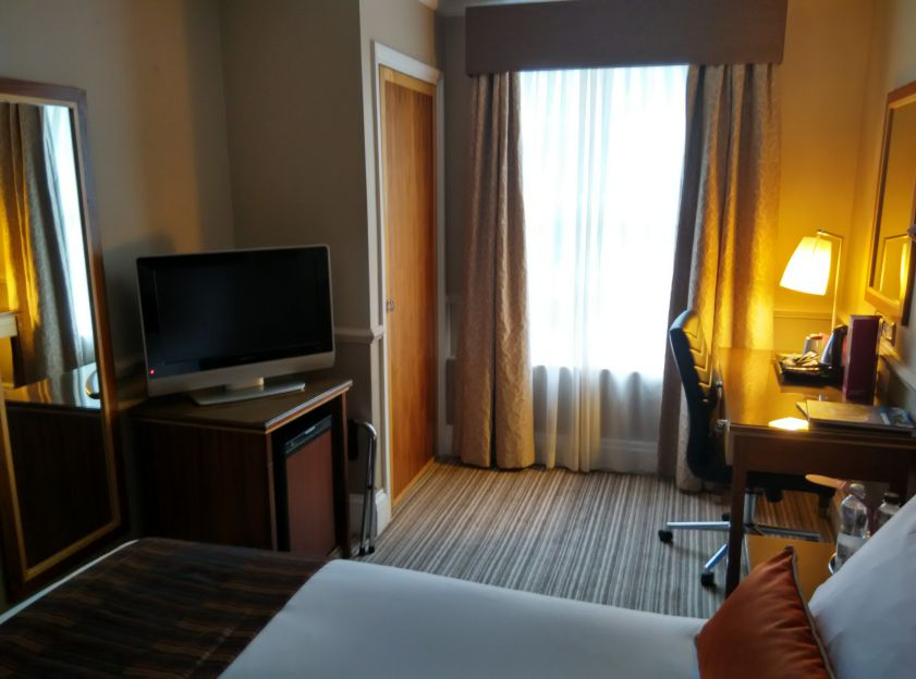 crowne-plaza-edinburgh-room-2