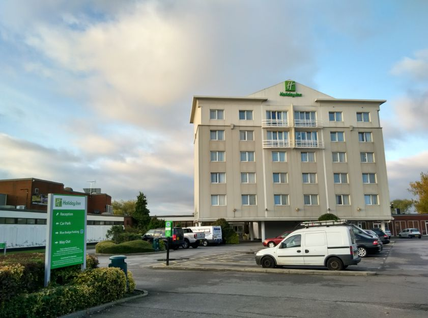 holiday-inn-basildon-exterior