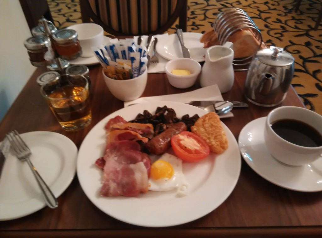 mercure-stratford-upon-avon-breakfast
