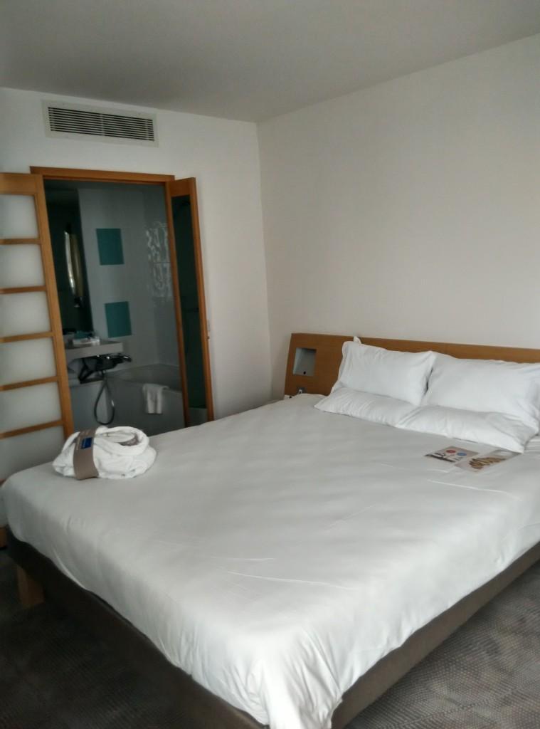 novotel-excel-bedroom