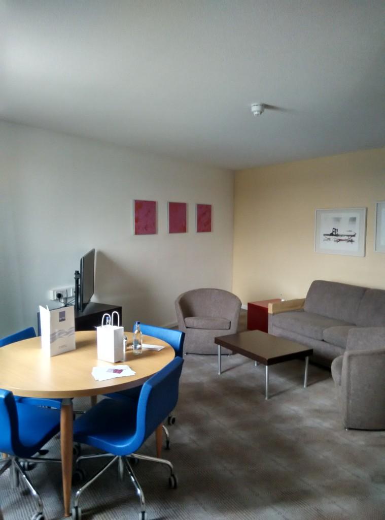 novotel-excel-living-room