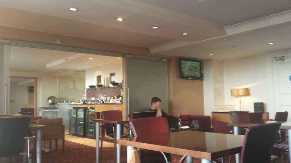 hilton-brighton-metropole-lounge