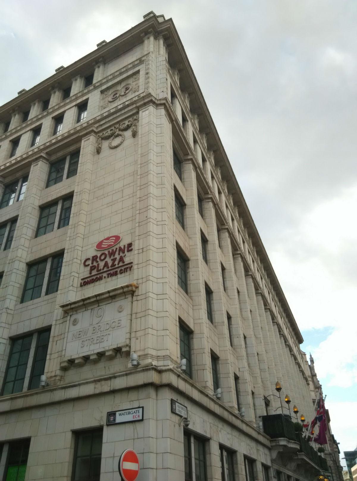 crown-plaza-london-city-exterior