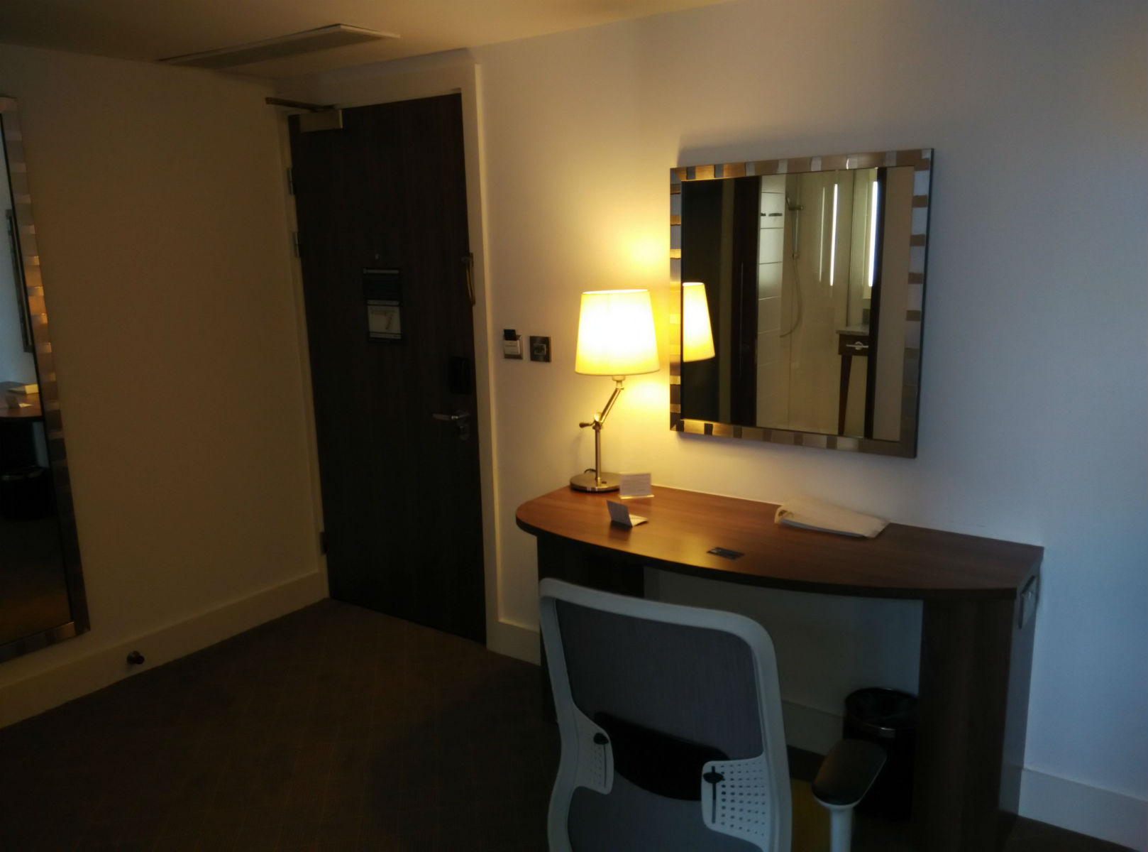 hampton-newcastle-room-1