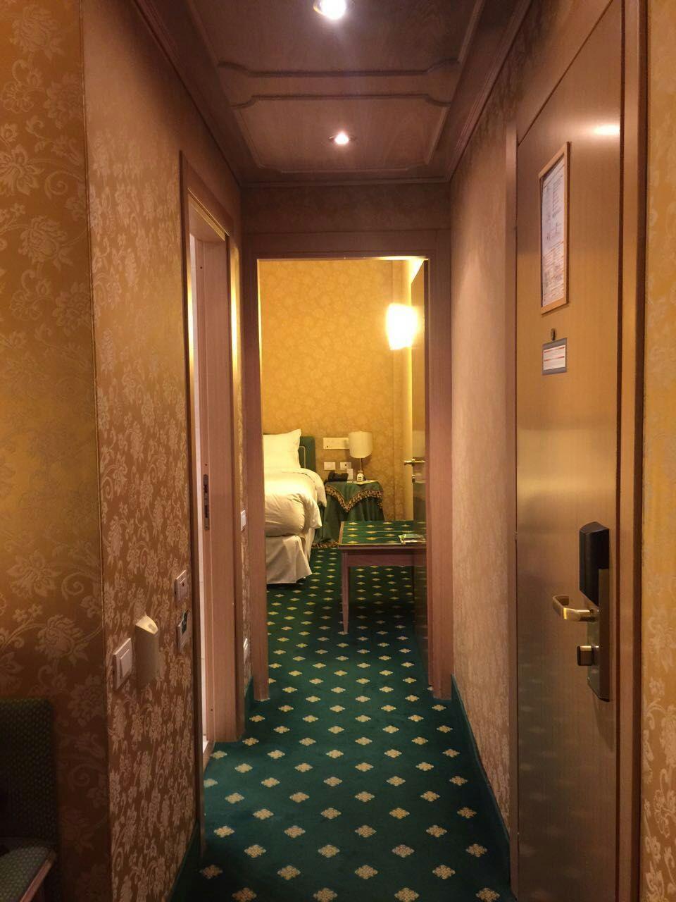 four-points-sheraton-room