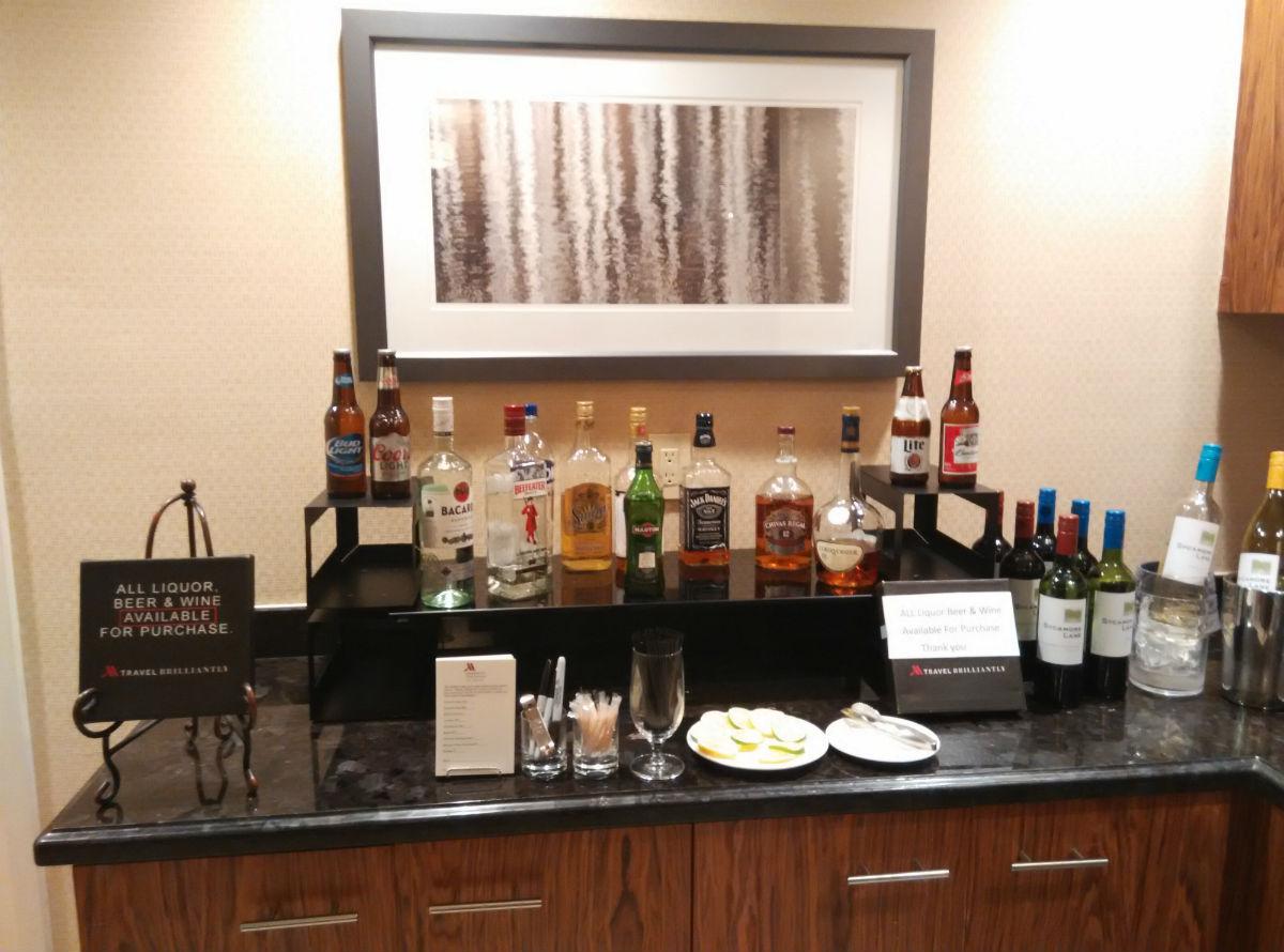 marriott-san-diego-la-jolla-lounge-alcohol