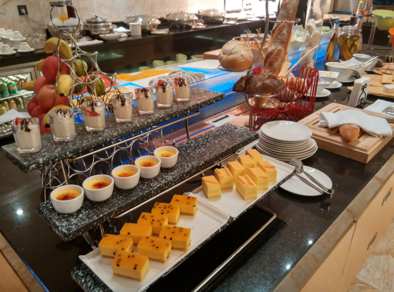 guangzhou-marriott-tianhe-lounge-food-1