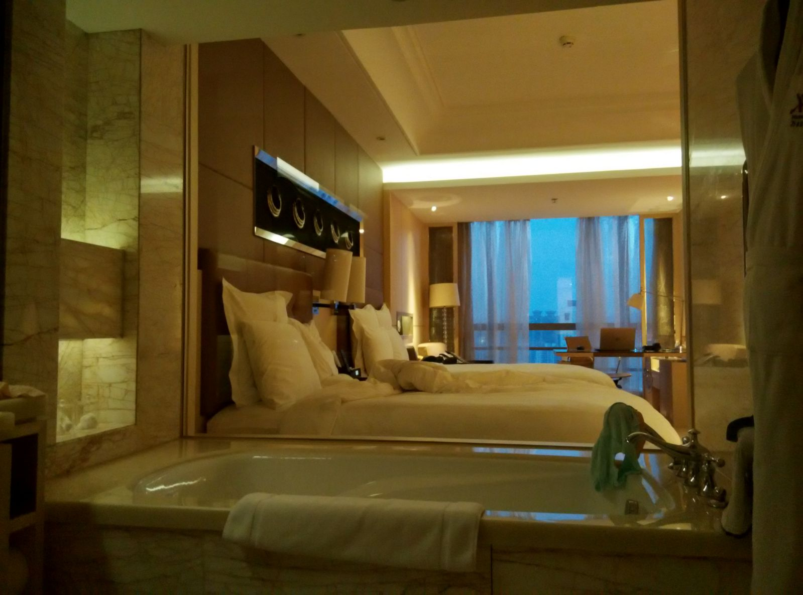 guangzhou-marriott-tianhe-room-2