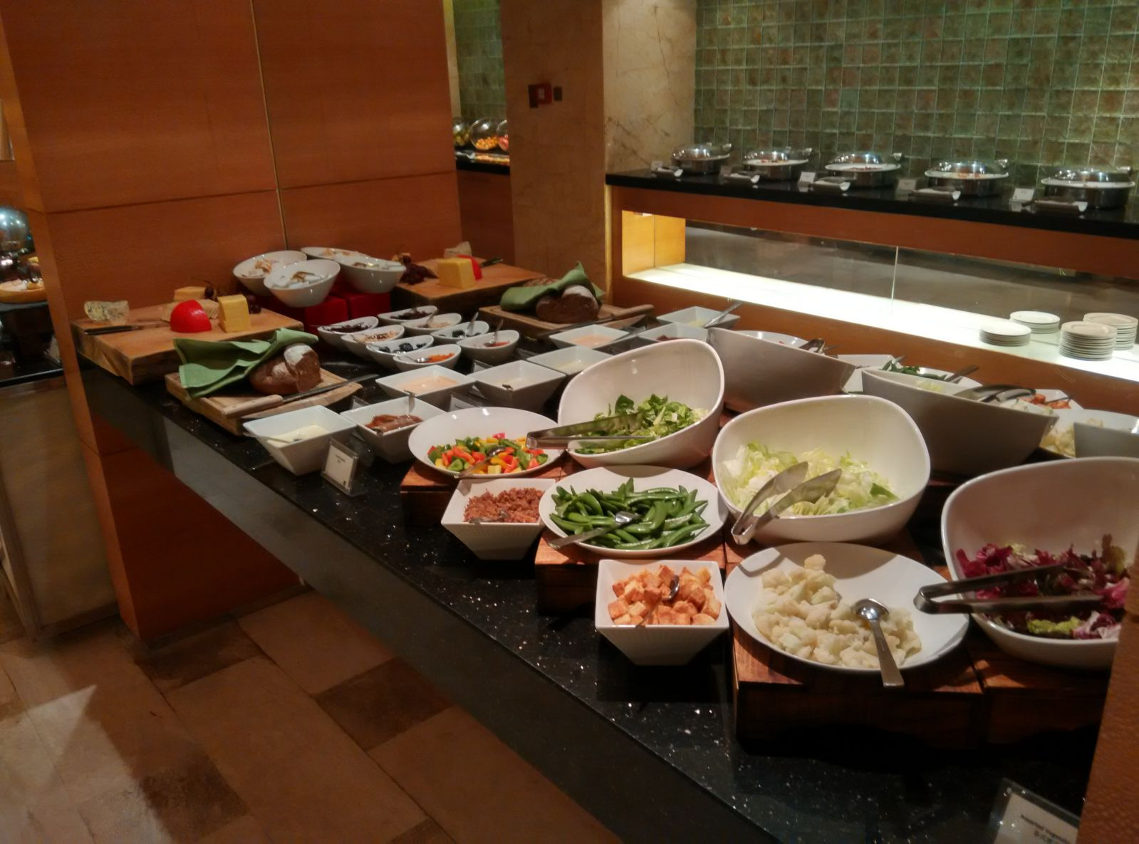 shenzhen-jw-marriott-executive-lounge-salad