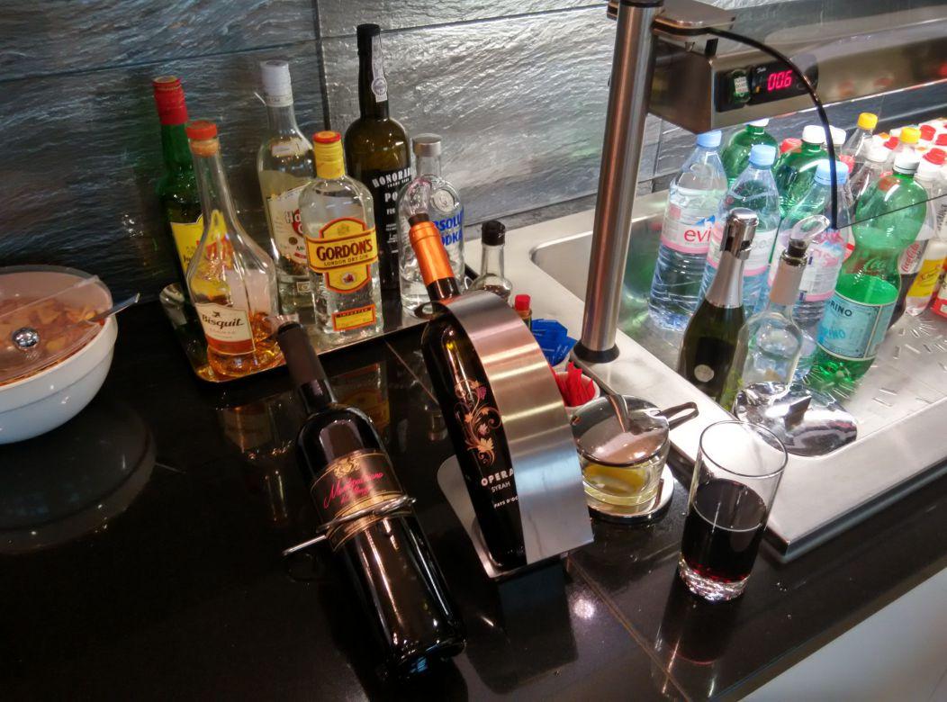 geneva-dnata-skyview-alcohol