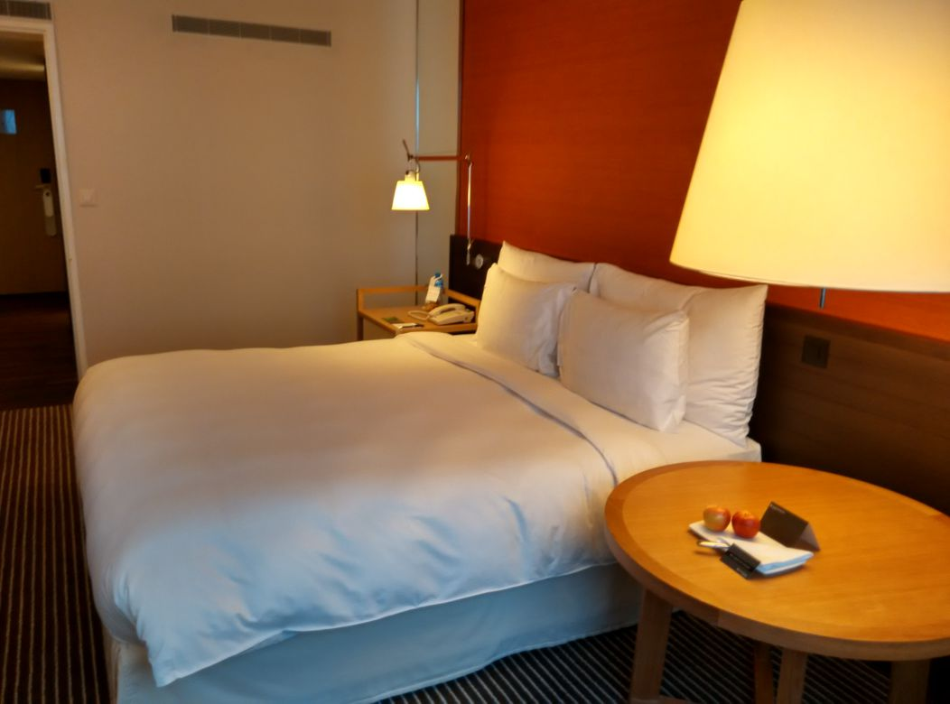 intercontinental-geneva-room-2