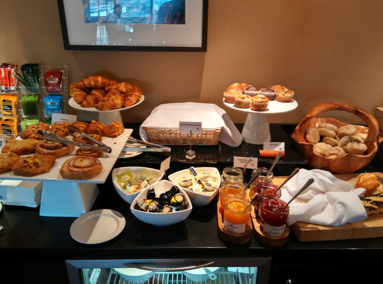 marriott-london-regents-park-executive-lounge-breakfast-3