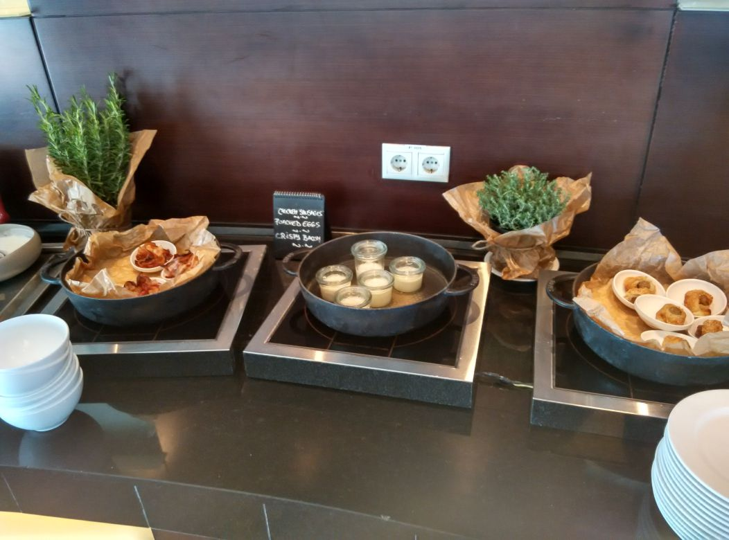 radisson-blu-bucharest-breakfast-hot
