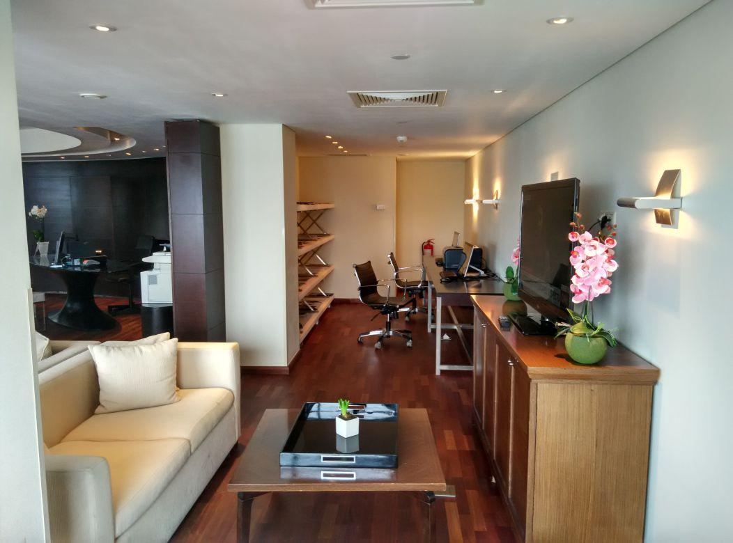 radisson-blu-bucharest-business-lounge-workspace
