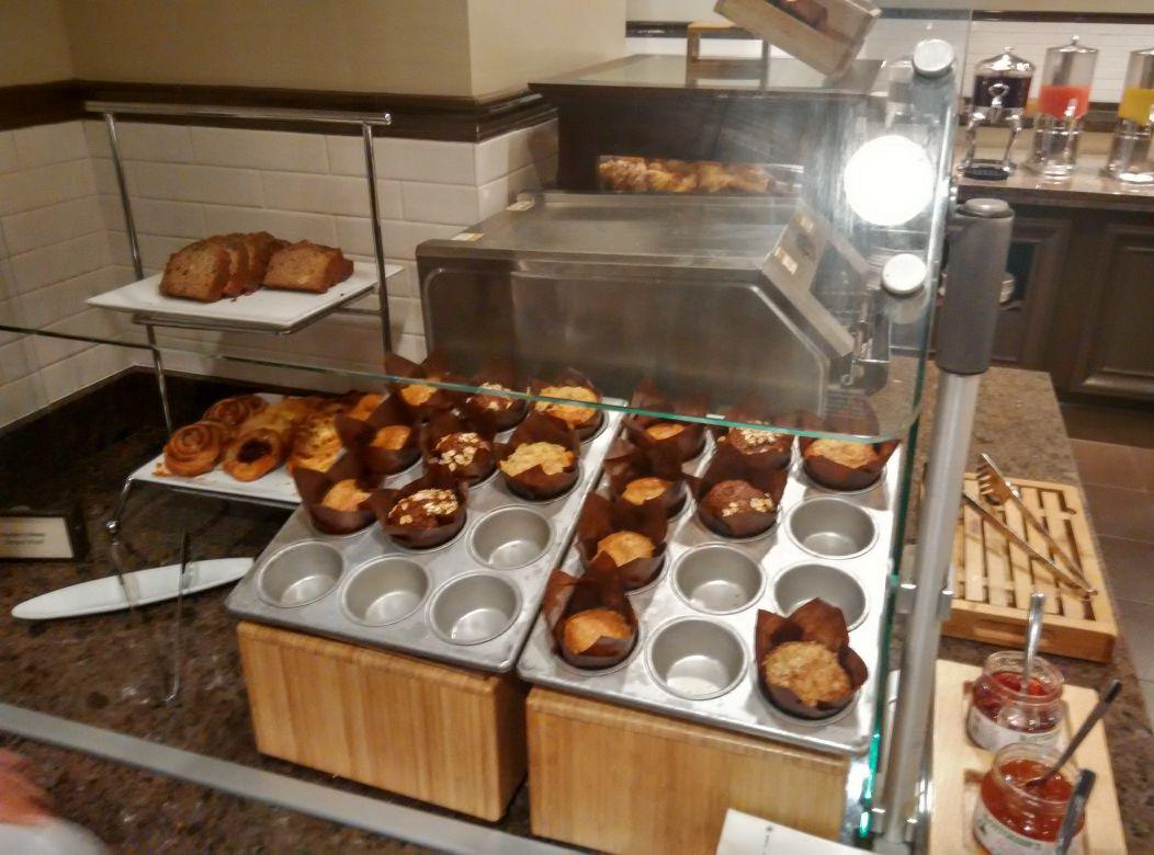 capital-hilton-dc-breakfast-cakes