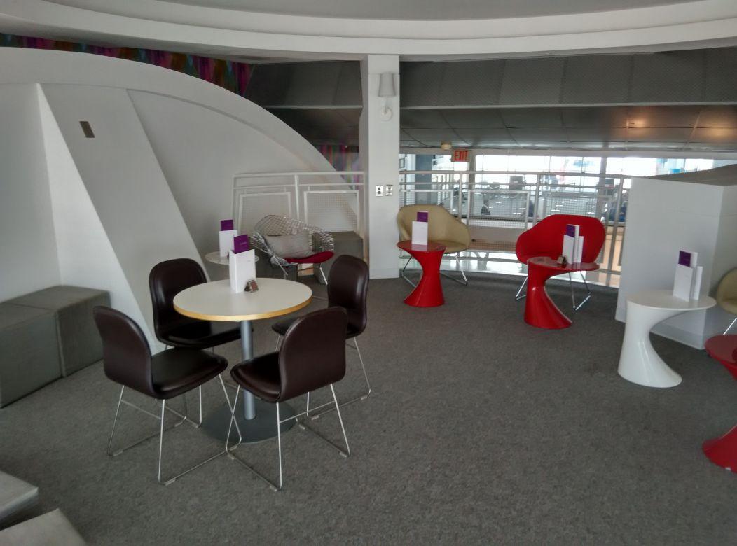 iad-virgin-atlantic-lounge-upstairs