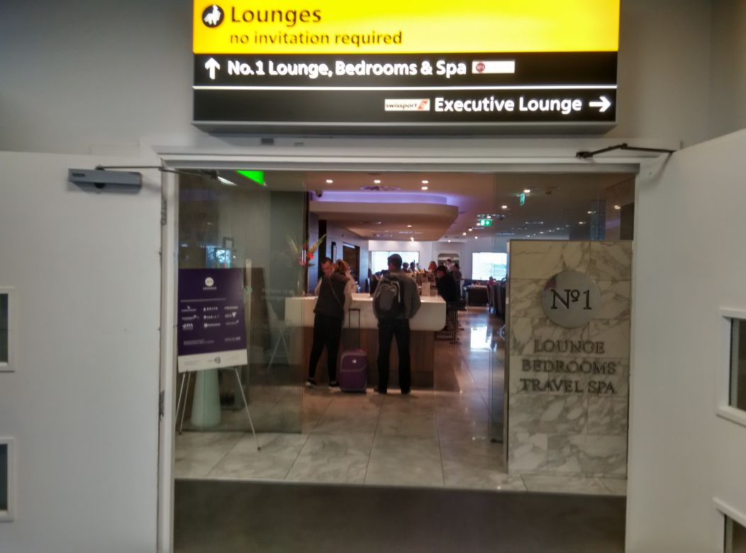 lhr-t3-no1-lounge-entrance