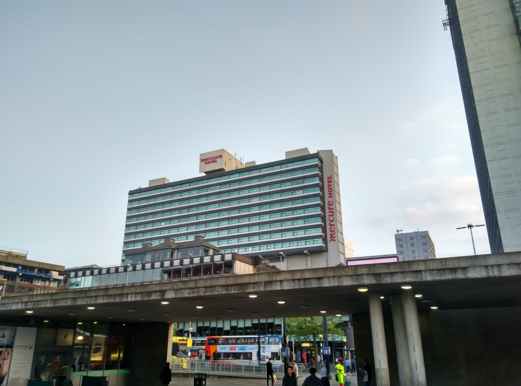 mercure-manchester-piccadilly-building