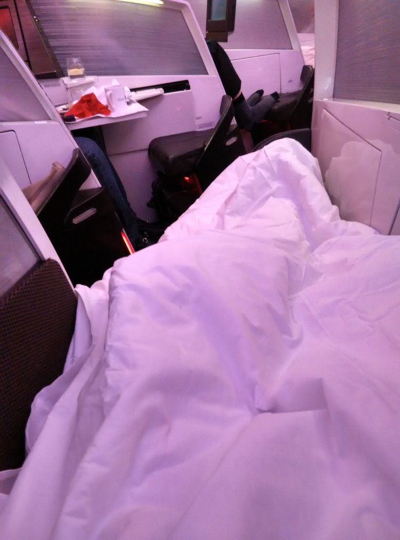 virgin-atlantic-a330-300-upper-class-bed-2