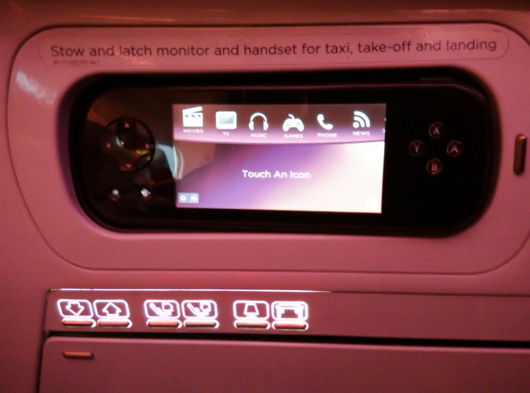 virgin-atlantic-a330-300-upper-class-handset