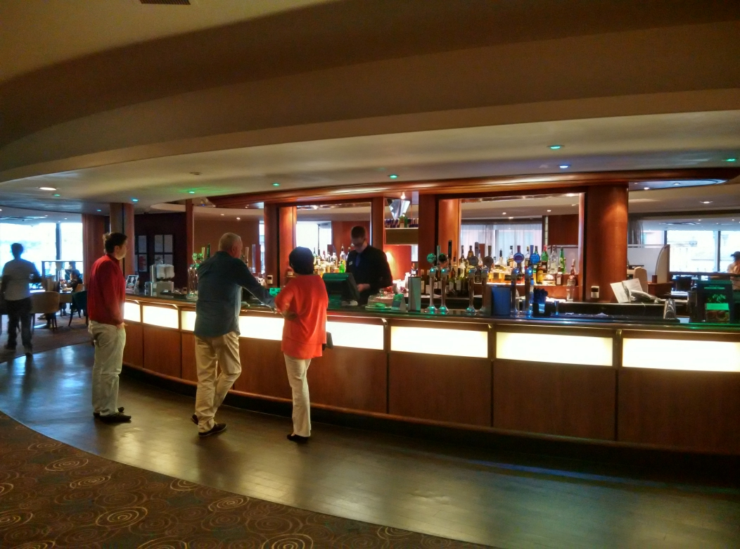 mercure-manchester-piccadilly-bar