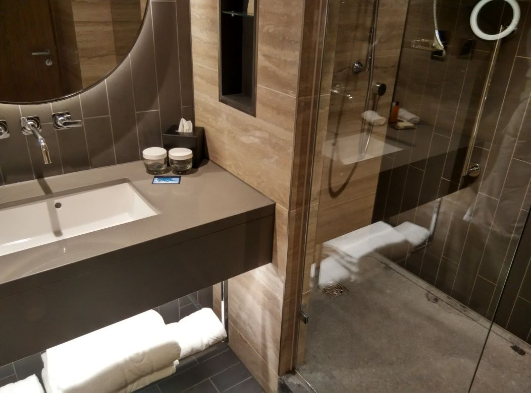 hilton-london-bankside-bathroom