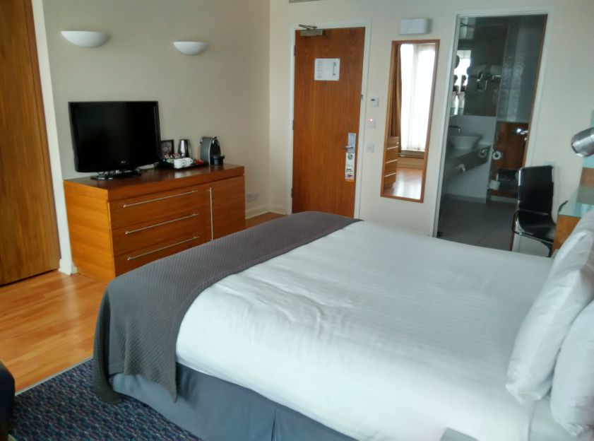 holiday-inn-camden-lock-room-2